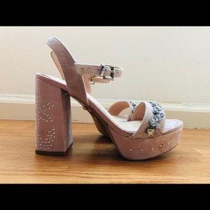 Comfortable platform shoes by TOPSHOP